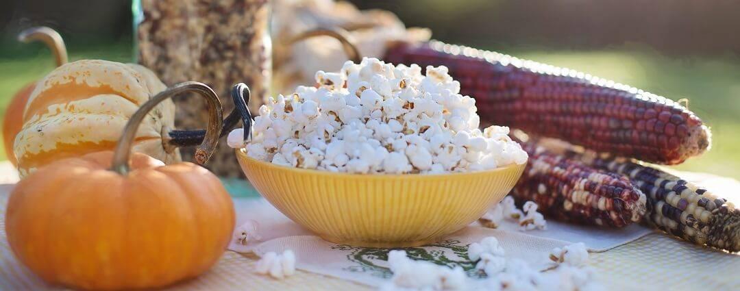 HeaderGallery.HomePage.PopcornOnTableOutside-1080x425